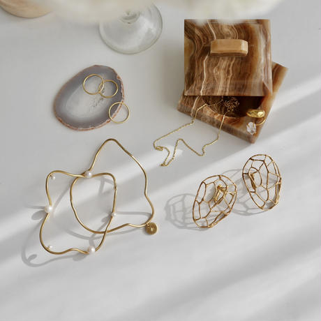 Fresh water pearl flow bangle