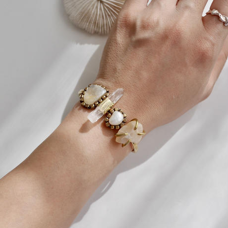 「Moonstone×Crystal×Freshwater peal×Moonstone」Gemstones bangle