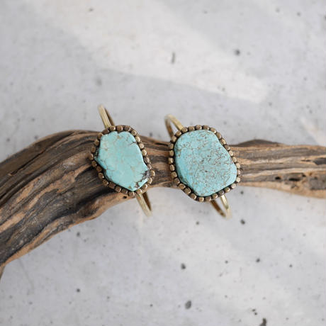 Turquoise bangle (aggregation)