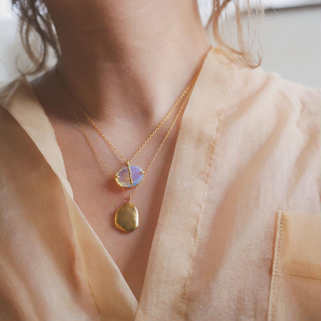 Gem stone dot necklace