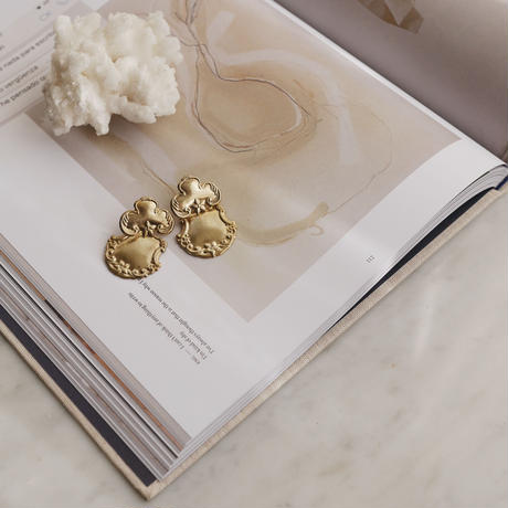 Clover brass earrings