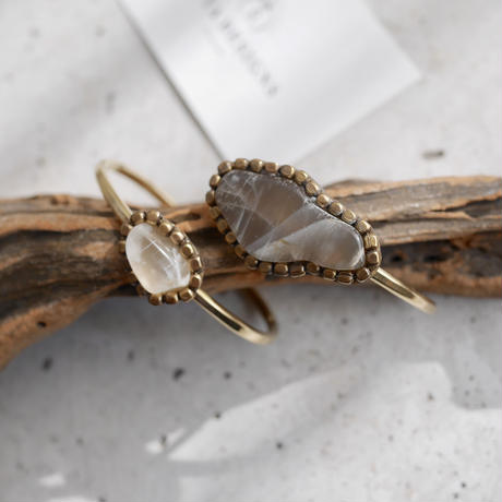 Gemstone bangle「Moonstone」