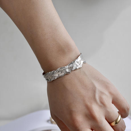 Rough bangle -silver