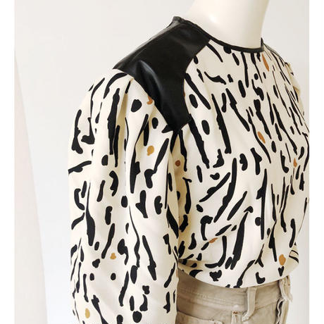animal dots puff sleeve pullover(ecru)