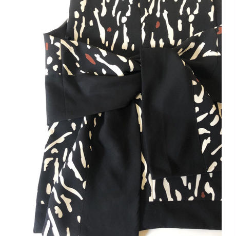 animal dots bib(black)