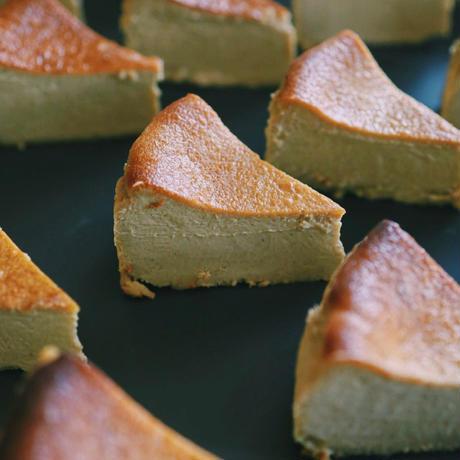ピスタチオバスクチーズケーキ【予約商品〜2週間以内に発送〜】【15cmホールサイズ】