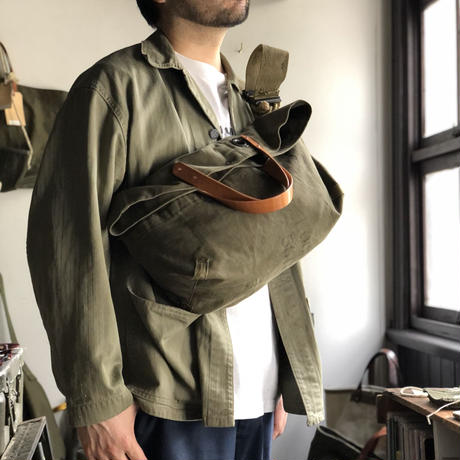 #1039 1940's duffle messenger bag