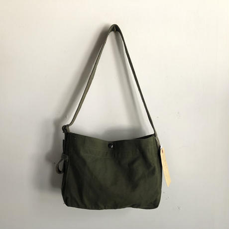 #760  1960's  USMC field cargo shoulder bag