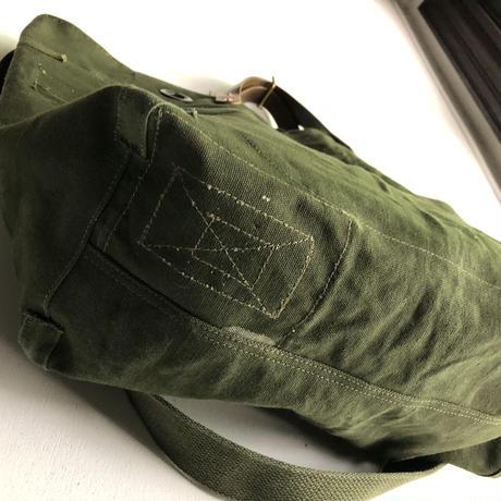 #1343 1960's duffle messenger bag