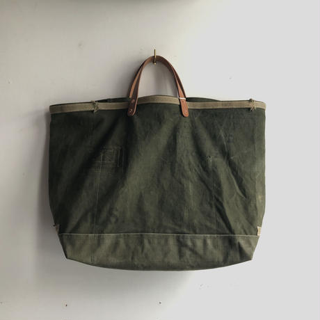#1022 early 60's duffle tote
