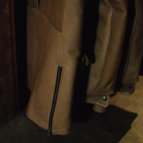 "Jobi fret roop ""horse leather hulf coat"""