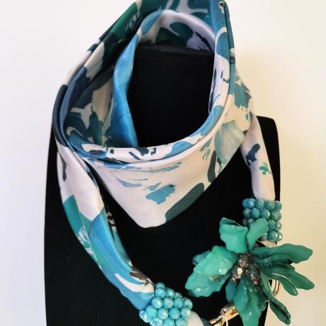 バルサンティ イタリア製 スカーフネックレス(コサージュ) ターコイズ