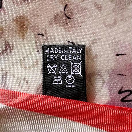 バルサンティ イタリア製  コモシルクスカーフ  バレリーナ ロッソ 小判 50x50