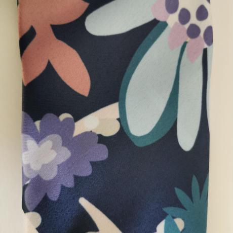 バルサンティ イタリア製 スカーフネックレス (ラインストーンフック)ネイビーブルー