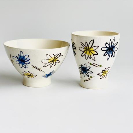 二色小花 コップ 青