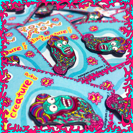『Floating creature』Pins