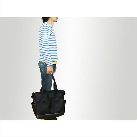 B Wide Tote Bag w/ nylon100