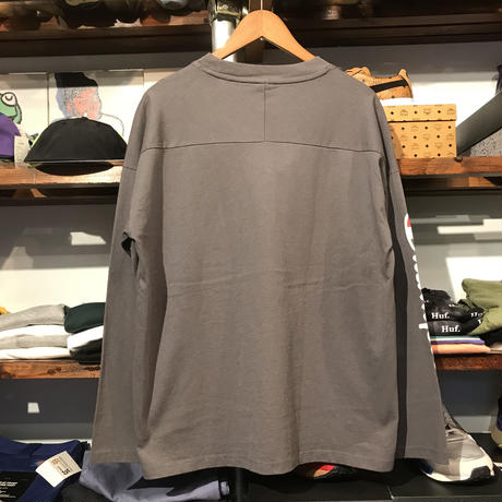 "【ラス1】RUGGED on Champion ""Small ARCH"" L/S tee (Chacole)"