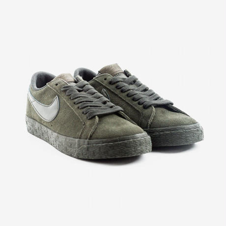 NIKE SB ZOOM BLAZER LOW - OLIVE / NAVY