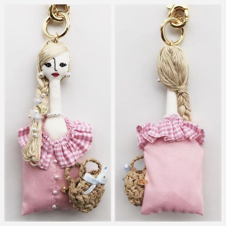 お人形チャーム「夢の国の住人風」