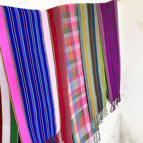 320 ミャンマー・パラウン族の手織り布ボニーバッグ(赤)(size/M)