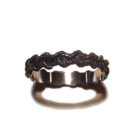lacy  ring