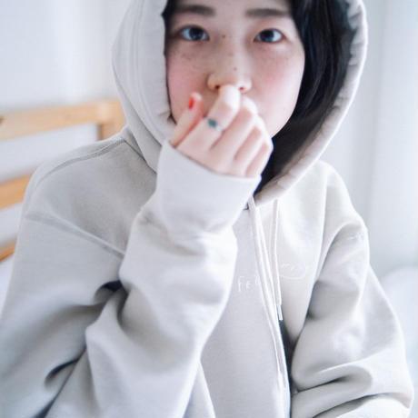 《予約》YEAH GIRL YEAH PULLOVER PARKA (RUTSUBO×YURI HANAMORI NUIDEMITA )+オンライン限定ノベルティ