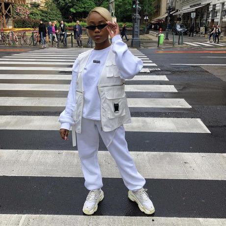 UK発 MISSYENPIRE ホワイト スローガン オーバーサイズ スウェット 長袖