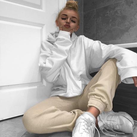 UK発 MISSYENPIRE ホワイト オーバーサイズ ドローストリング フーディ 長袖