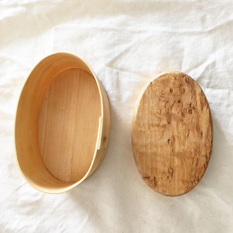 Svensk Hemslöjd_Handmade White birch round box