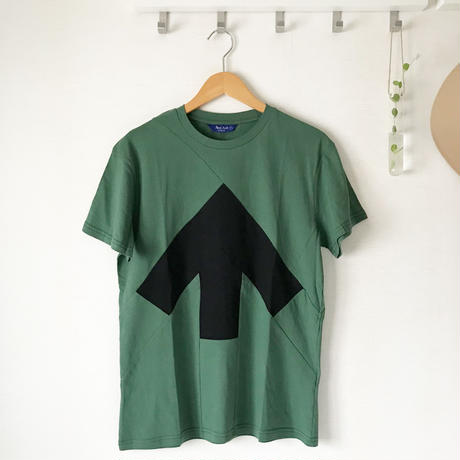 Reet Aus_ Up-Shirt  Unisex Black and Green ( Tシャツ_ユニセックス)
