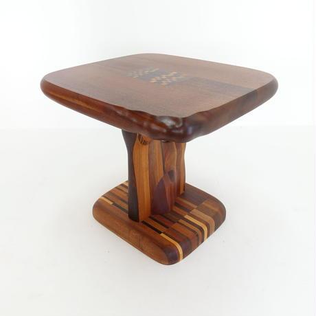 彫刻脚一人掛けテーブル
