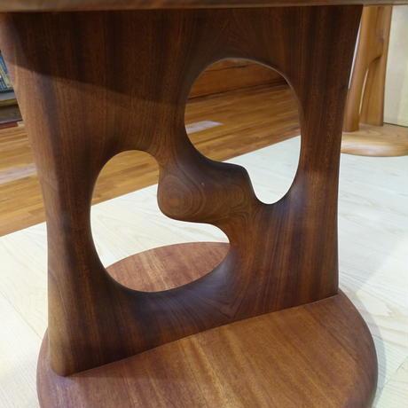 彫刻丸応接テーブル