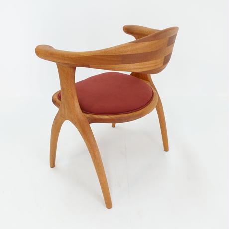 クッション食卓椅子