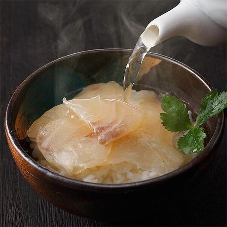 鯛茶漬け(和風出汁)