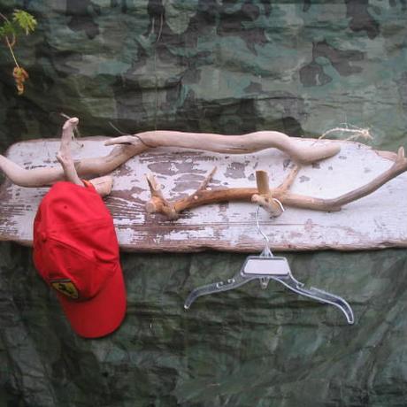 流木の帽子掛け 90cm×22cm