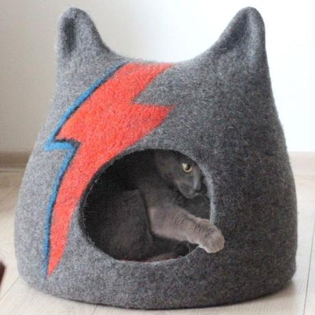 RED CANDY●ジギースターダスト キャット ハウス (グレー)●MED:W38 x H31 x D30cm ●David Bowie●世界の猫 GOODS