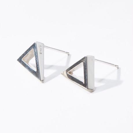 Triangle ピアス (スクエア)