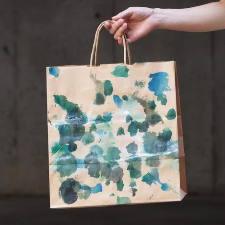 [ 染めの足跡紙バッグ - 紙袋 ]  color :茶×緑と水玉(片面のみ))
