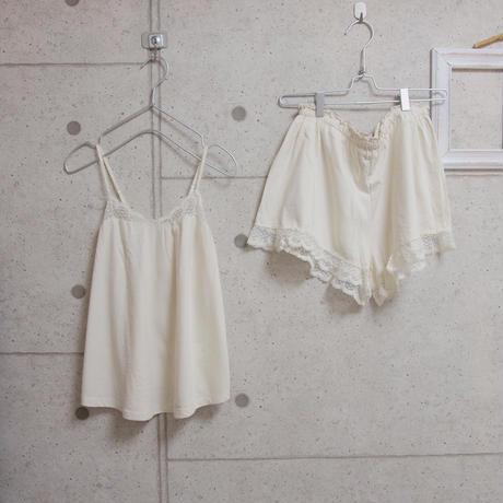 受注発注【8月末〜9月上旬発送】camisole+shortpants set 生成り