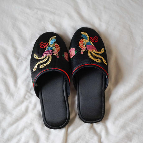【Select Item】Satin Embroidery Slippers -Black-