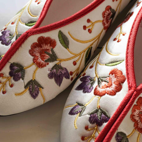 【Select Item】Flower Embroidery Shoes - White-