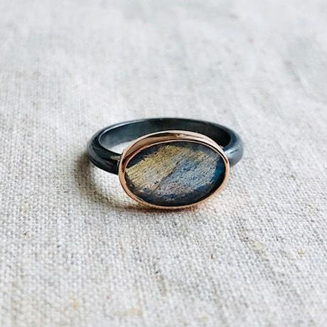 ishi jewelry /10k rose gold bezel x oxidized silver ring with Labradorite