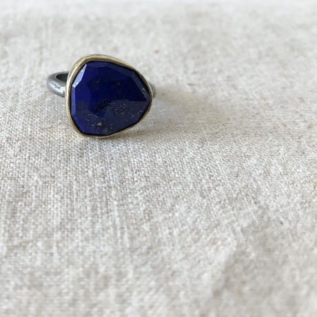 Ishi jewelry / natural stone ring / lapis lazuli / oxidized silver ring / イシジュエリー /ラピスラズリ  リング