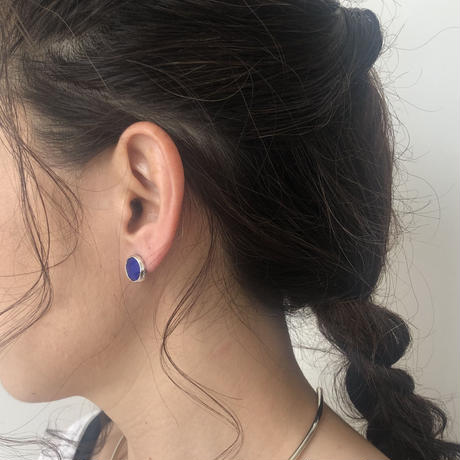 Ishi jewelry / earring sencillo  / silver bezel / イシ ジュエリー / シルバー片耳ピアス /ラピスラズリ