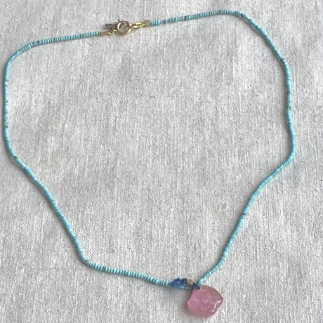 ishi  jewelry / turquoise bead chain with pink tourmalin