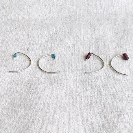 cinq /tiny garnet /turquoise  hook earring  / silver  / シンク /ガーネット /ターコイズ
