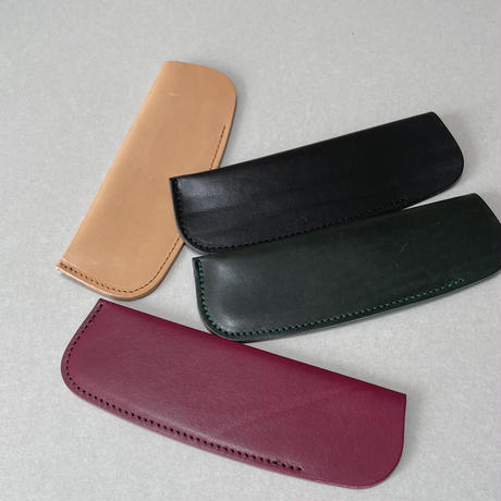 Kostkamm / vegetable Tanned leather case / 15 E  / 150 H • 300H •15