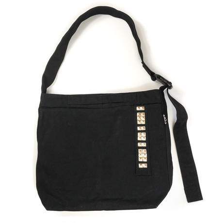 crossbodybag   w/ studs (small)