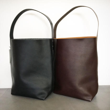 『TEMBEA/BAGUETTE TOTE SHRINK LEATHER』